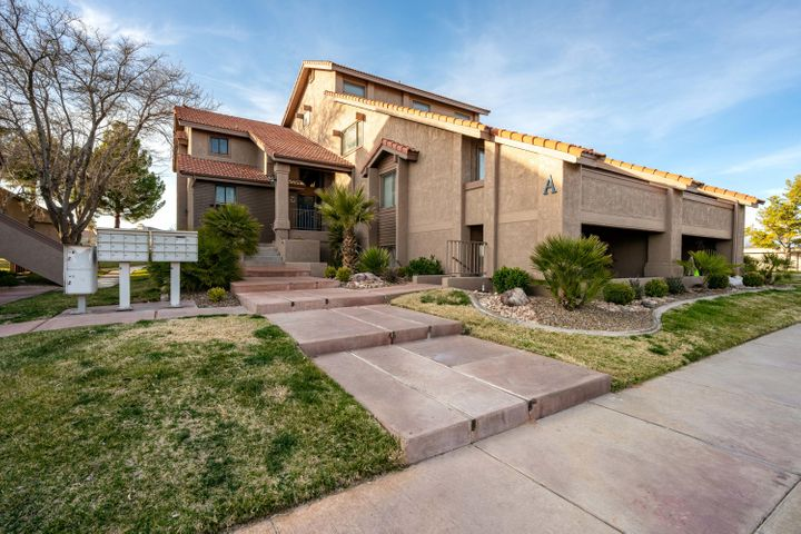 860 S Village Rd, St George UT 84770