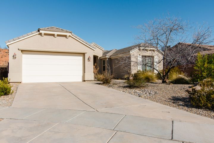 2563 E Spring Canyon Dr, Washington UT 84780