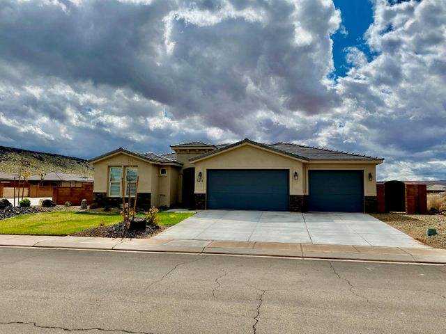 3411 W 2370 Cir S, Hurricane UT 84737