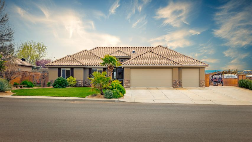 742 E Lost Ridge, Washington UT 84780