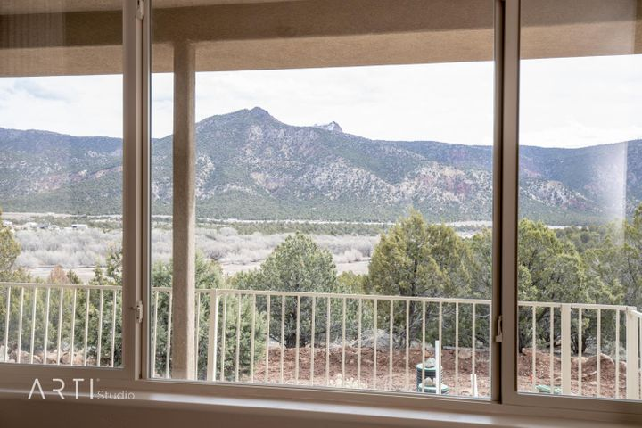 3232 S Juniper Way E, New Harmony, UT 84757