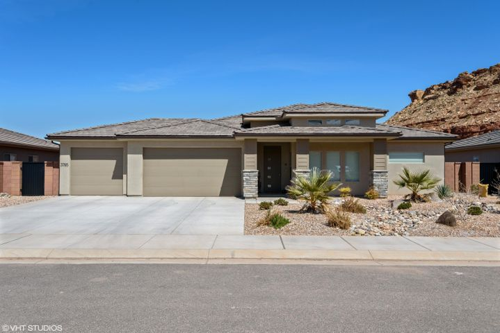 3765 E Church Rocks Dr, St George UT 84790