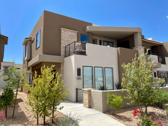 2311 N Canyon Greens Dr, Washington UT 84780