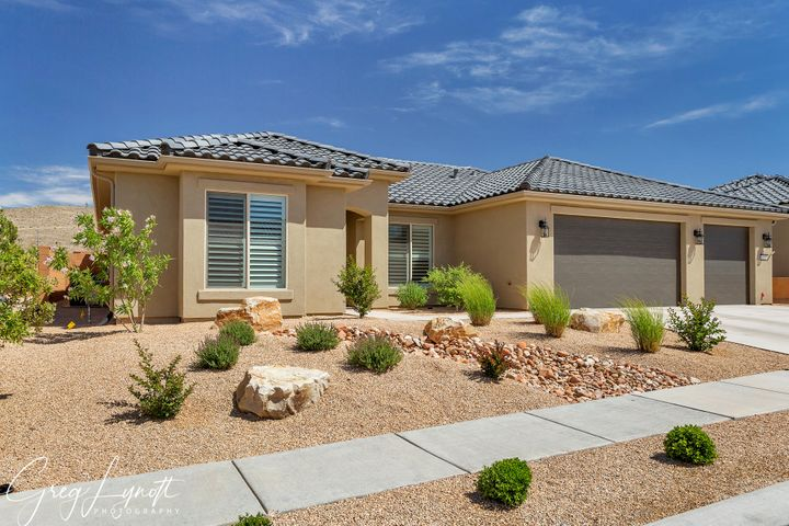 4215 S Painted Finch Dr, St George UT 84790