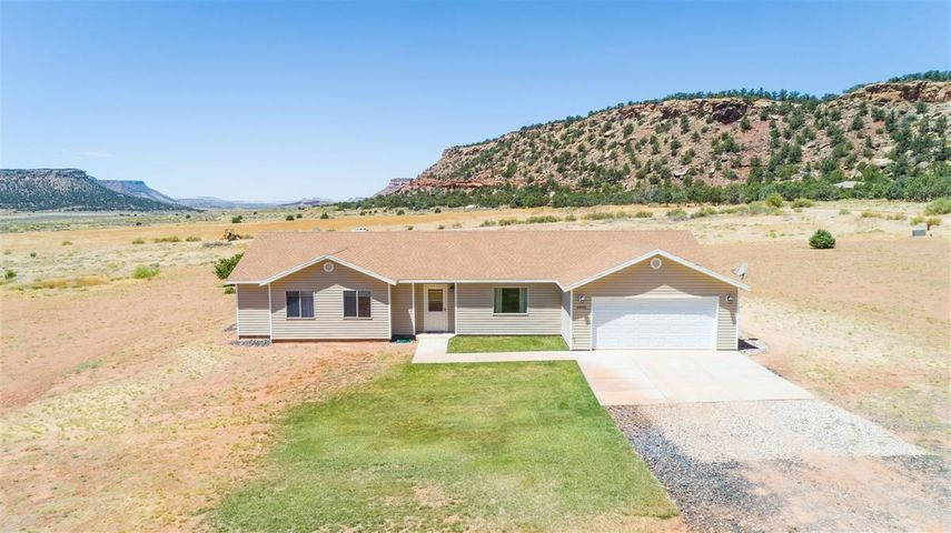 2905 Purple Sage RD, Apple Valley, UT 84737