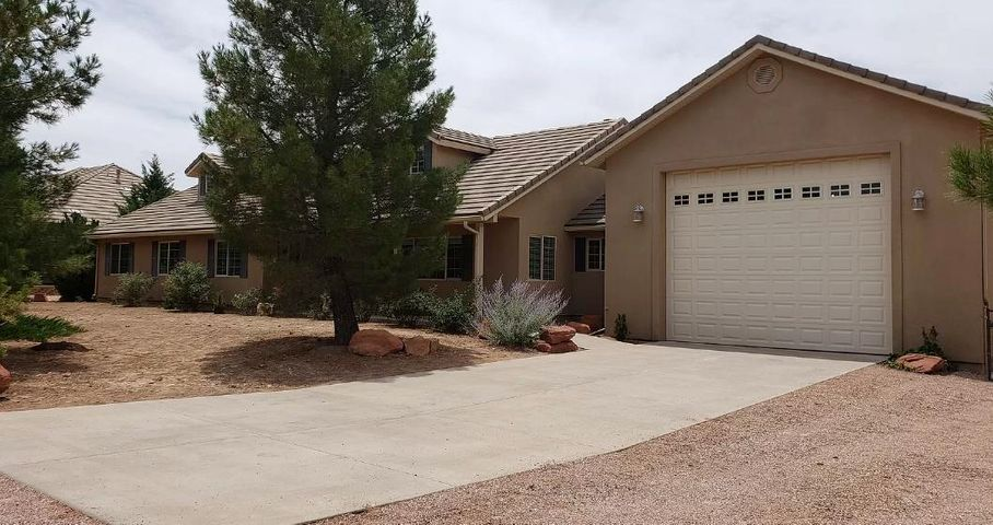 1351 Canyon Trail Dr, Dammeron Valley UT 84783