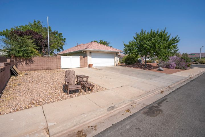 1477 Canyon View Dr, Santa Clara UT 84765