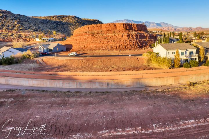 840 N Twin Lakes Dr, St George UT 84770