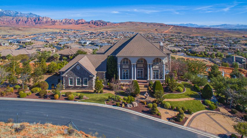 1496 N Harvard Ave, Washington, UT 84780