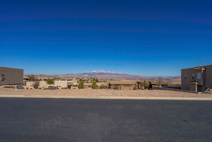Opal Way, St George, UT 84790