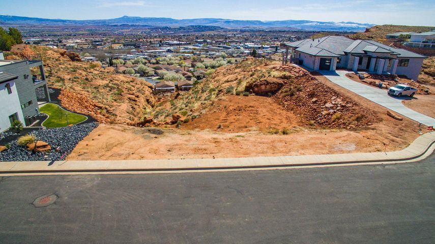 1225 W Crest Rd, Washington UT 84780