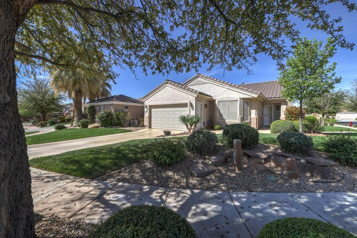 1569 W Poppy Hills CIR, St George, UT 84790