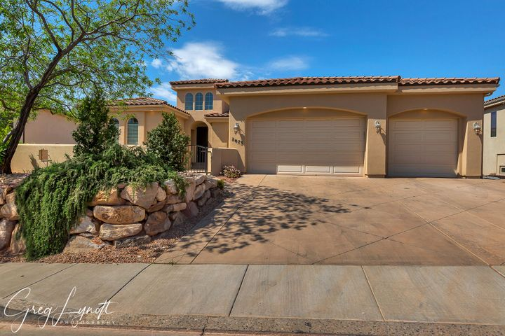 2073 N Gunsight Dr, St George UT 84770