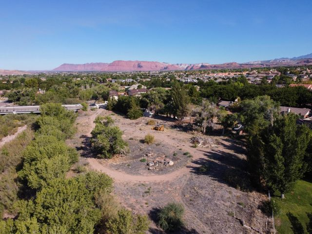 363 S Valley View Dr, St George UT 84770