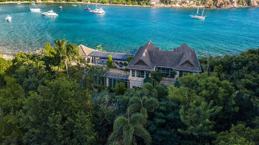 Exceptional beach front location