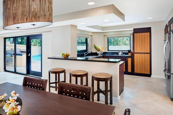 Pool Villa Kitchen