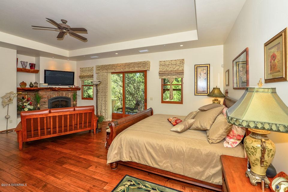 385 Cross Creek Circle Sedona, AZ 86336