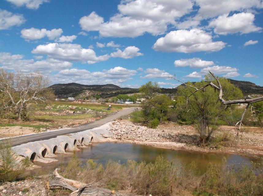 002r E Lacy Lane Camp Verde, AZ 86322