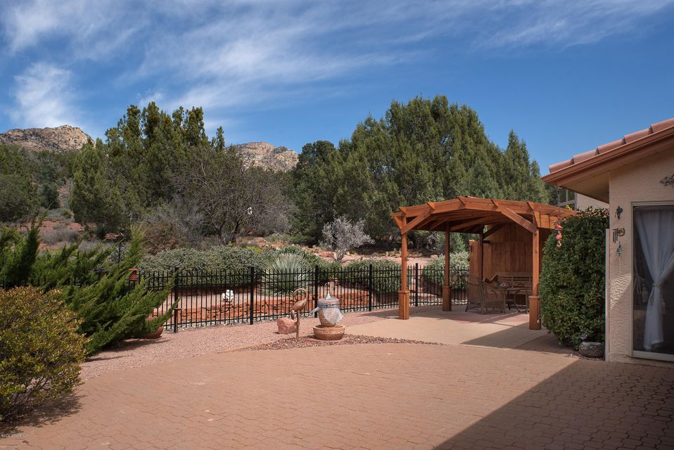 65  Concho Circle Sedona, AZ 86351