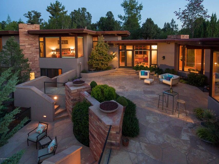150 Desert Holly Drive Sedona, AZ 86336