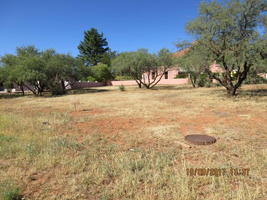 15 Creek Rock Sedona, AZ 86351