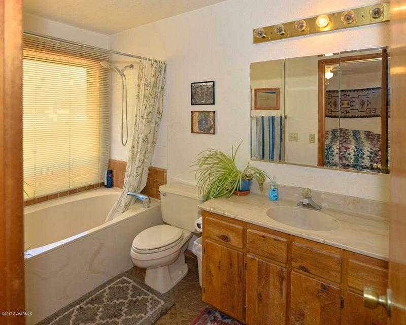 60  Gunsight Hills Drive Sedona, AZ 86351