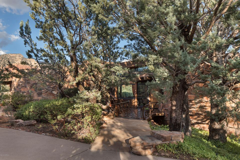 135  Painted Cliffs Drive Sedona, AZ 86336