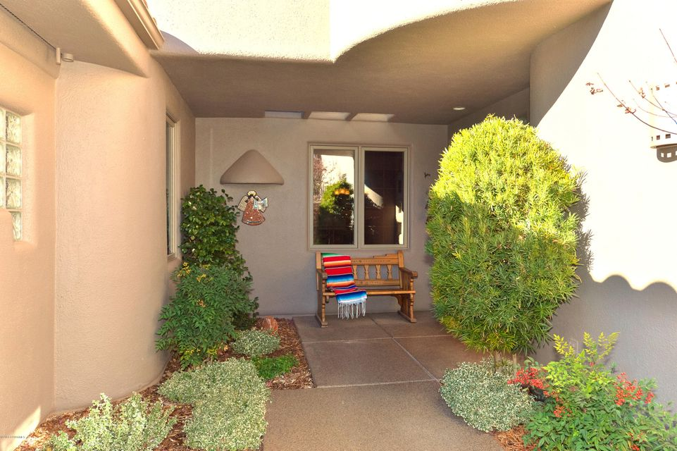 325 Calle Linda Sedona, AZ 86336