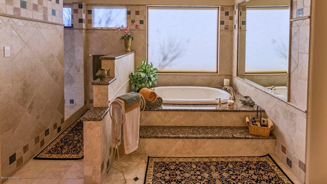 250  Enchanted Way Sedona, AZ 86336