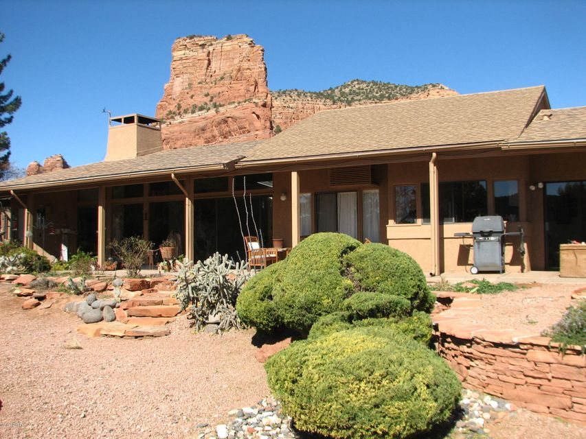 70  Fairway Oaks Lane Sedona, AZ 86351
