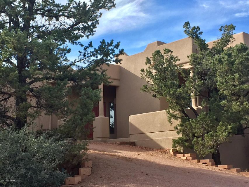 135  Thunderbird Drive Sedona, AZ 86336