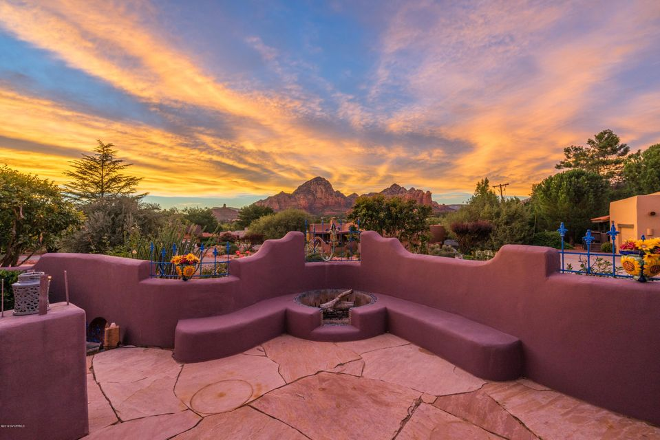 90  Valley View Drive Sedona, AZ 86336
