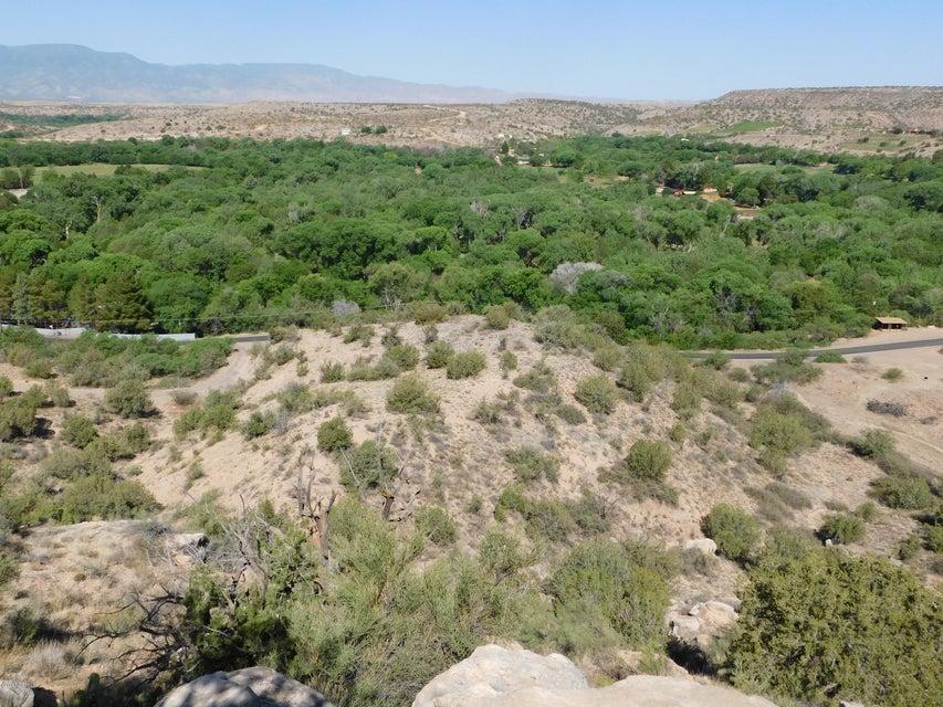 1305 N Page Springs Cornville, AZ 86325