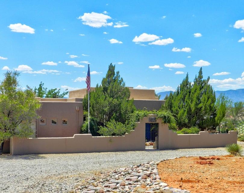 1590 S Angel Crest Drive Cornville, AZ 86325