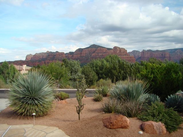 Red rock views from front of house