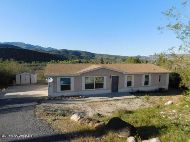 18929 E Queens Way, Black Canyon City, AZ 85324