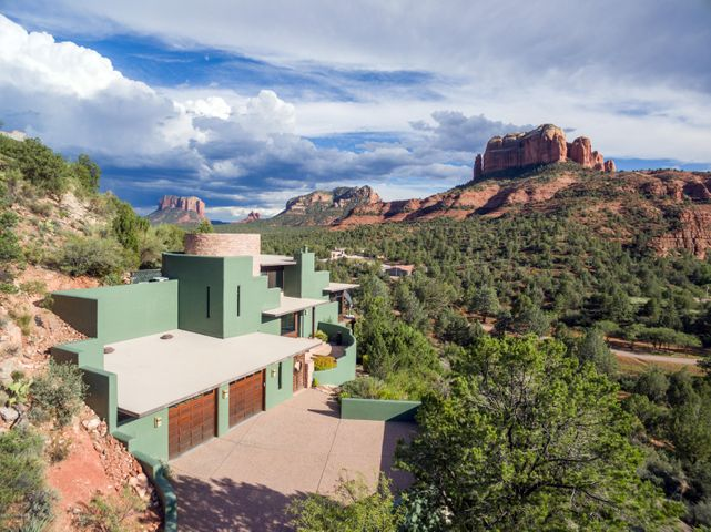 Living Art hidden in the midst of the Red Rock Panorama.