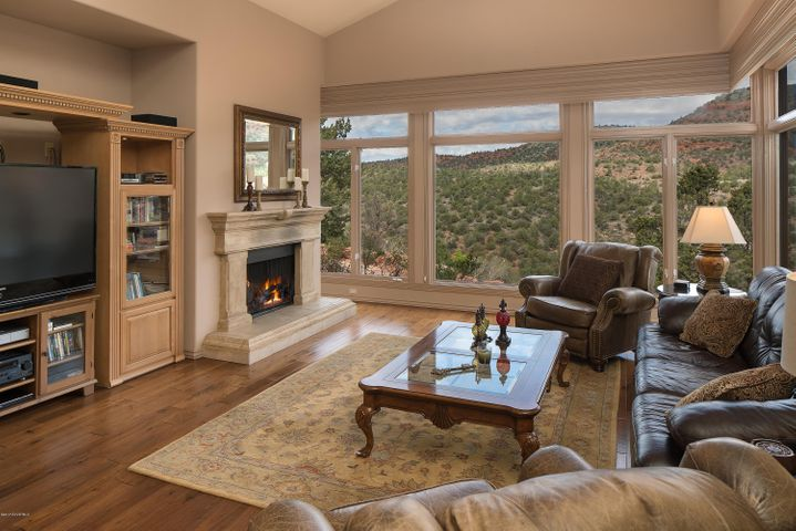 Framing Sedona's Natural Elements Inside