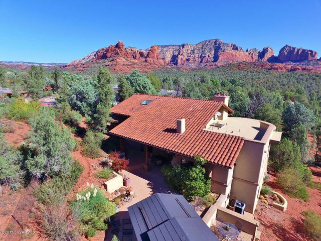 Gorgeous red rock views from your private estate