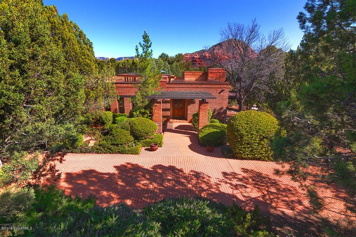 250 Foothills South Dr-Front with Thunder Mountain and Circular Driveway