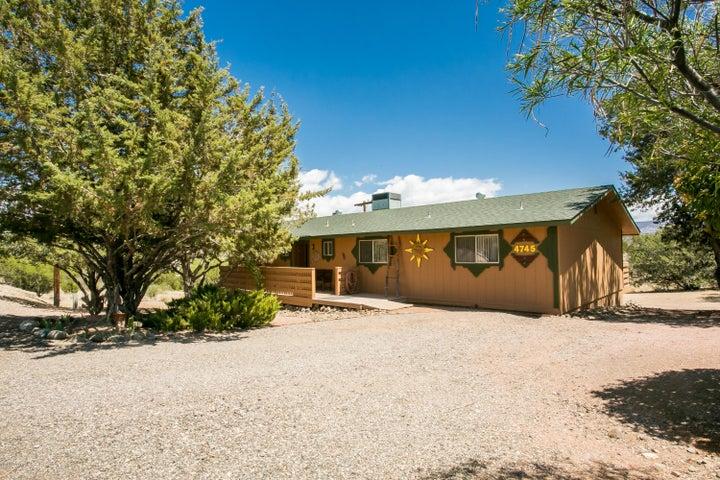 4745 N Nachez Drive, Rimrock, AZ 86335
