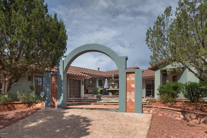 140 Blue Jay Drive, Sedona, AZ 86336