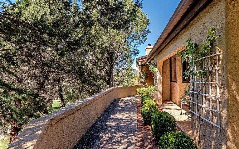 Luxury 2580 SF 3 bed 3 ba Townhome Sedona, AZ
