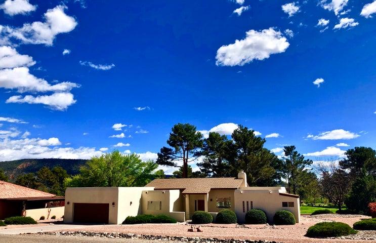 130 Fairway Oaks Lane, Sedona, AZ 86351