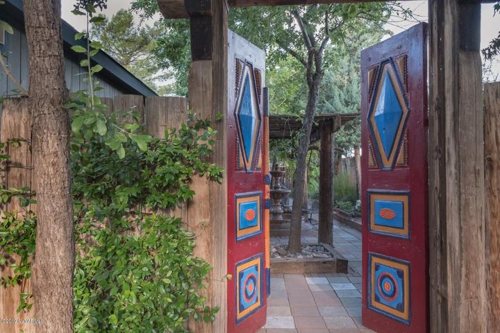 GATES TO PRIVATE BACK PATIO