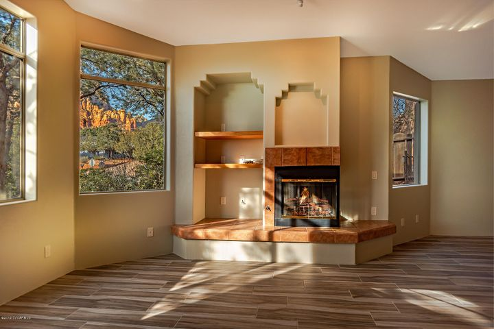 Large views of the Red Rocks and nature. This will be one of your favorite rooms!