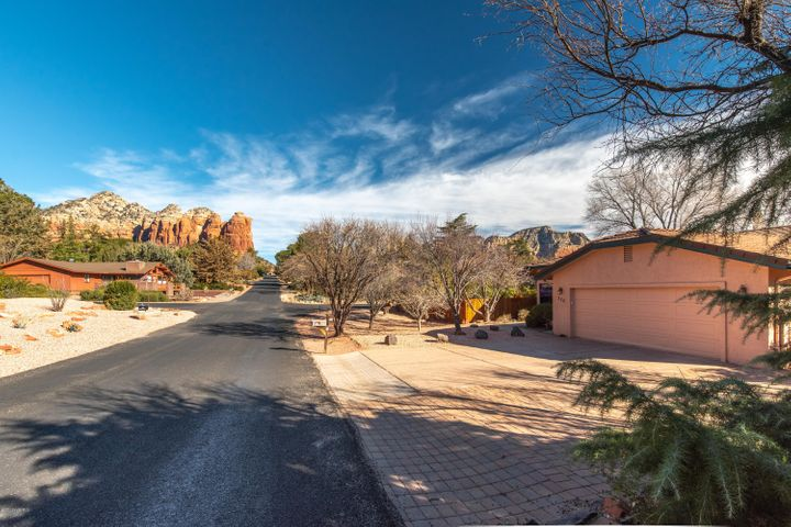 WELCOME HOME to RED ROCK VIEWS !