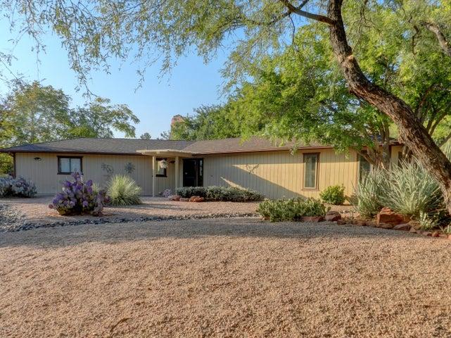 105 Valley Tr, Sedona, AZ 86351