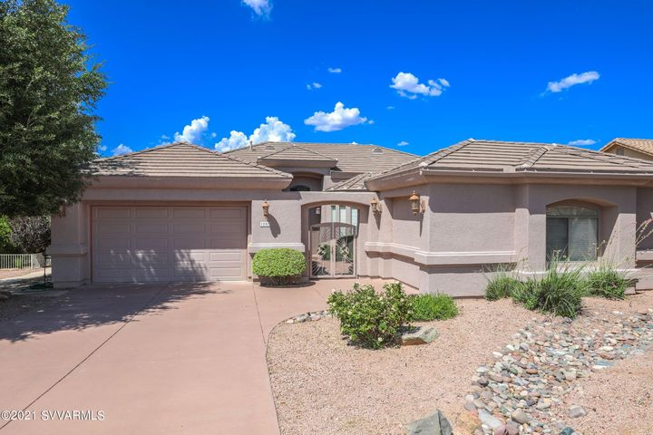 1057 Verde Santa Fe Pkwy, Cornville, AZ 86325