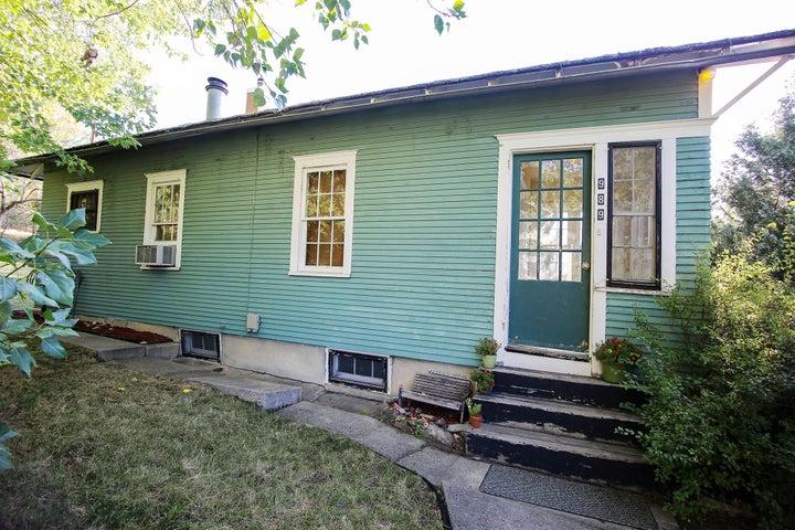 989 W. Loucks Street